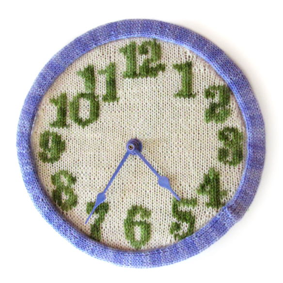 knitted-clock