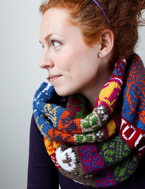 fair_isle_infinity_scarf-16_medium2